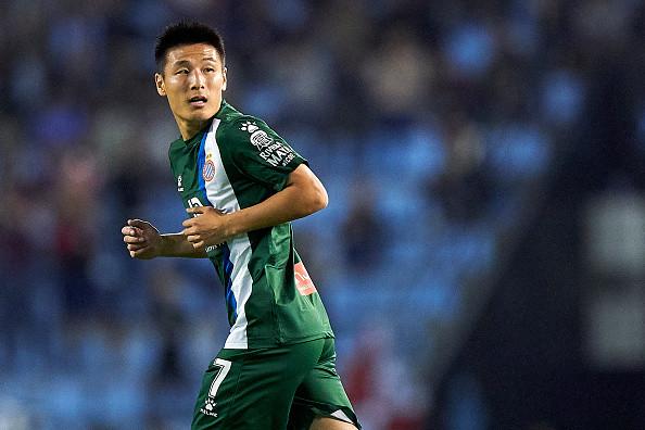 Вингер Эспаньола У Лэй стал первым китайцем в истории, который забил гол в еврокубках