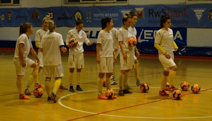 Женская сборная Украины по футзалу обыграла Словакию в спарринге