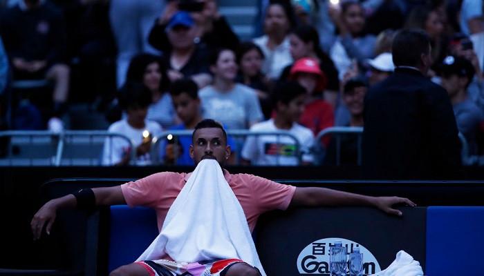 На арене Australian Open во время матча Кирьоса на две минуты пропал свет